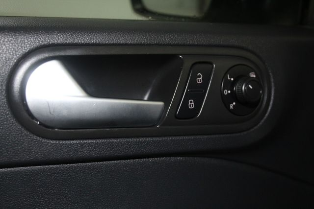 2016 Volkswagen Beetle Coupe 1.8T Classic Houston, Texas 31