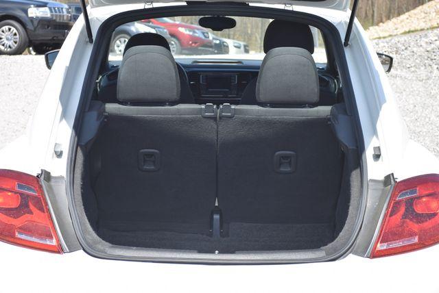 2016 Volkswagen Beetle Coupe 1.8T Classic Naugatuck, Connecticut 11