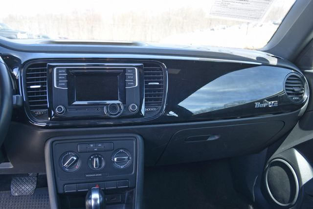 2016 Volkswagen Beetle Coupe 1.8T Classic Naugatuck, Connecticut 16