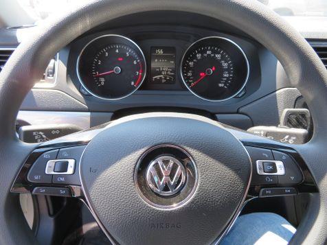 2016 Volkswagen Jetta SE TSi | Abilene, Texas | Freedom Motors  in Abilene, Texas