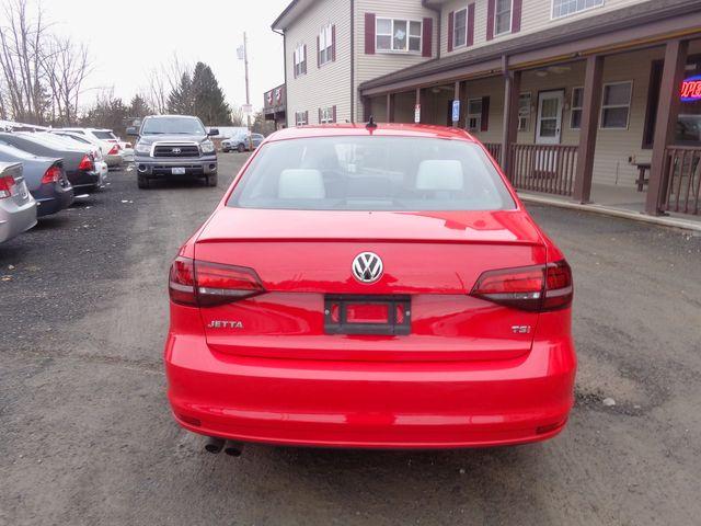 2016 Volkswagen Jetta 1.8T Sport Hoosick Falls, New York 3
