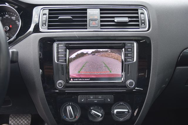 2016 Volkswagen Jetta 1.8T SEL Naugatuck, Connecticut 16