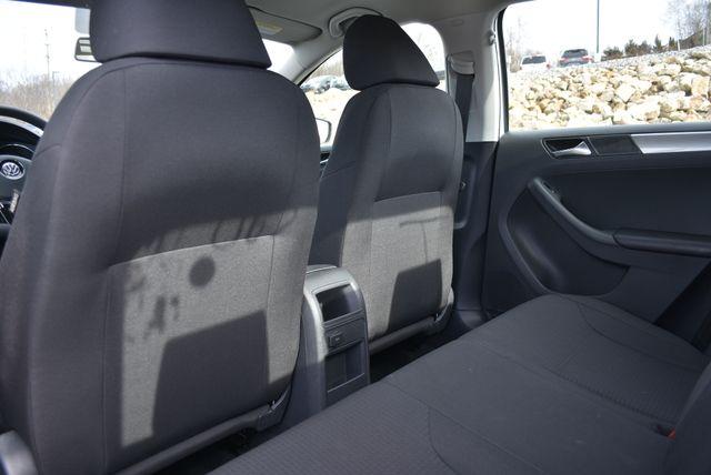 2016 Volkswagen Jetta 1.4T SE Naugatuck, Connecticut 13