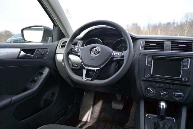 2016 Volkswagen Jetta 1.4T SE Naugatuck, Connecticut 15