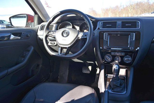 2016 Volkswagen Jetta 1.8T SEL Naugatuck, Connecticut 18