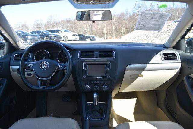 2016 Volkswagen Jetta 1.4T SE Naugatuck, Connecticut 16