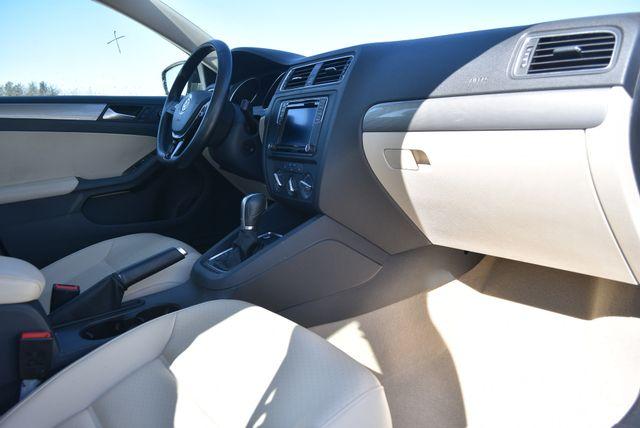 2016 Volkswagen Jetta 1.4T SE Naugatuck, Connecticut 9