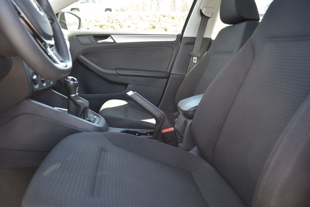2016 Volkswagen Jetta 1.4T SE Naugatuck, Connecticut 17