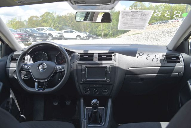 2016 Volkswagen Jetta 1.4T S Naugatuck, Connecticut 12