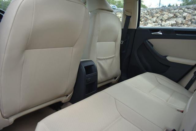 2016 Volkswagen Jetta 1.8T SEL Naugatuck, Connecticut 12
