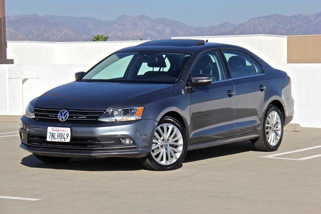 2016 Volkswagen Jetta 1.8T SEL in Reseda, CA, CA 91335