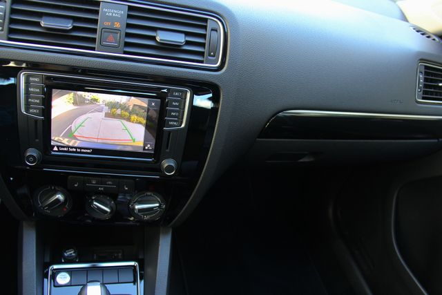 2016 Volkswagen Jetta 1.8T SEL Reseda, CA 21