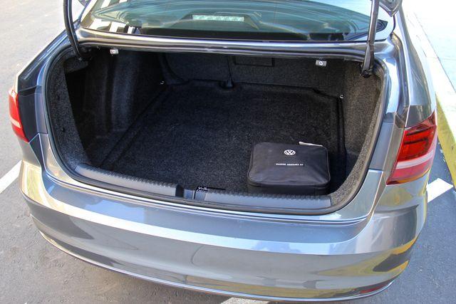 2016 Volkswagen Jetta 1.8T SEL Reseda, CA 27