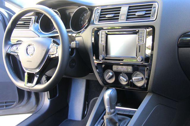 2016 Volkswagen Jetta 1.8T SEL Reseda, CA 19