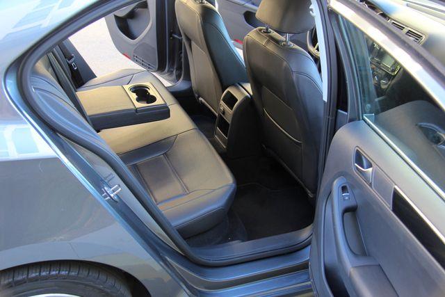 2016 Volkswagen Jetta 1.8T SEL Reseda, CA 23