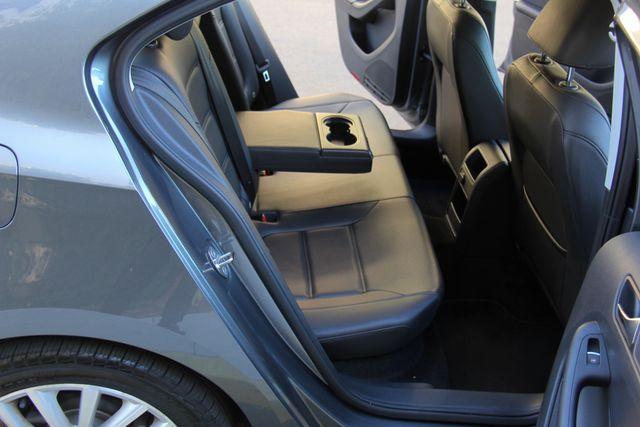 2016 Volkswagen Jetta 1.8T SEL Reseda, CA 24