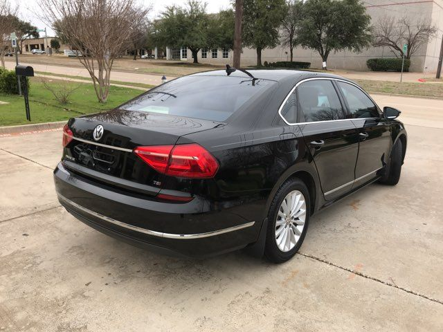 2016 Volkswagen Passat SE ONE OWNER in Carrollton, TX 75006