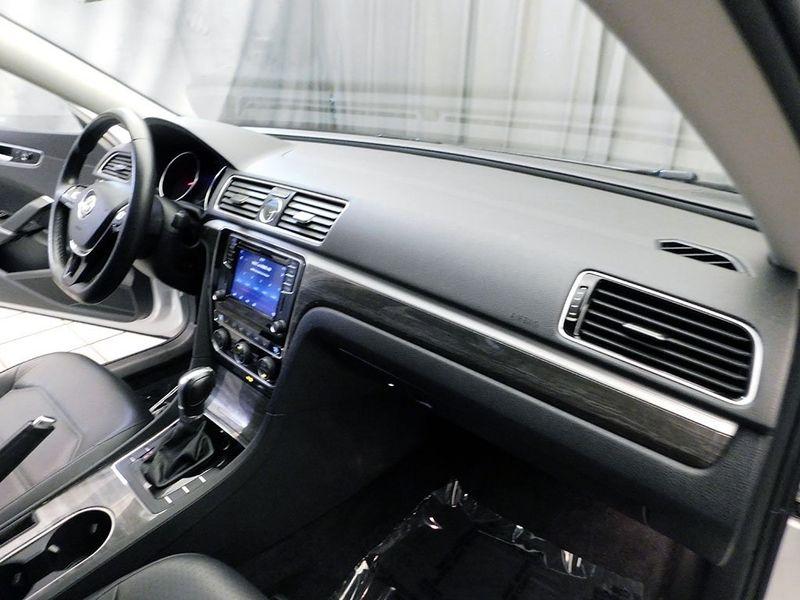 2016 Volkswagen Passat 18T SE wTechnology  city Ohio  North Coast Auto Mall of Cleveland  in Cleveland, Ohio