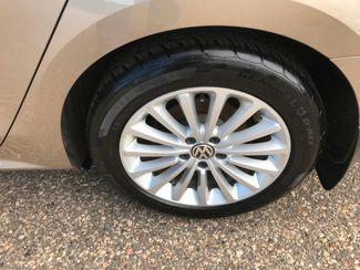 2016 Volkswagen Passat 1.8T SE Farmington, MN 9