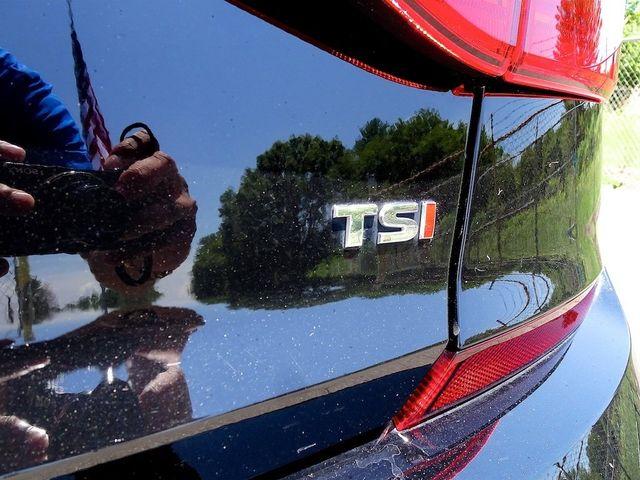 2016 Volkswagen Passat 1.8T R-Line Madison, NC 11