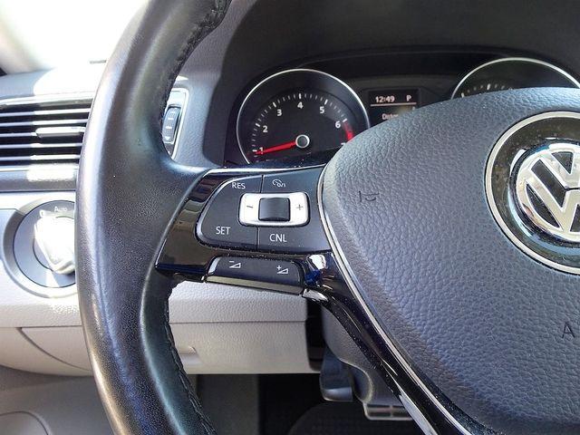 2016 Volkswagen Passat 1.8T R-Line Madison, NC 16