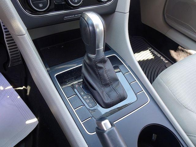 2016 Volkswagen Passat 1.8T R-Line Madison, NC 22
