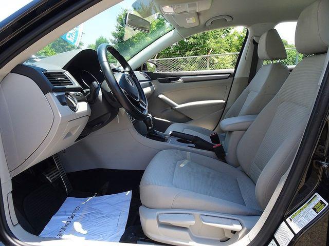 2016 Volkswagen Passat 1.8T R-Line Madison, NC 25