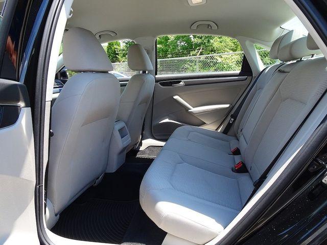 2016 Volkswagen Passat 1.8T R-Line Madison, NC 28