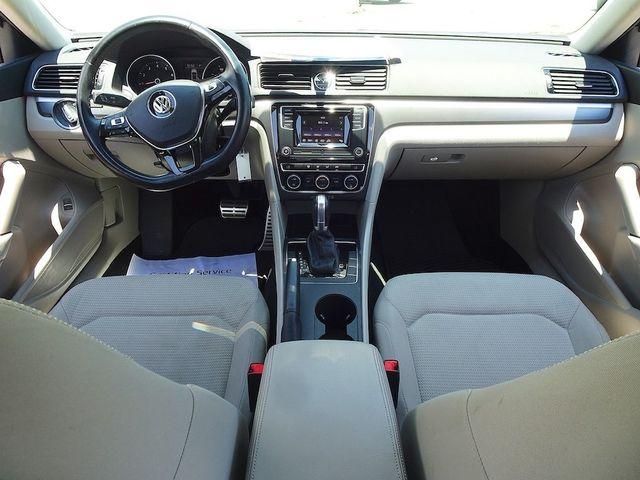 2016 Volkswagen Passat 1.8T R-Line Madison, NC 33