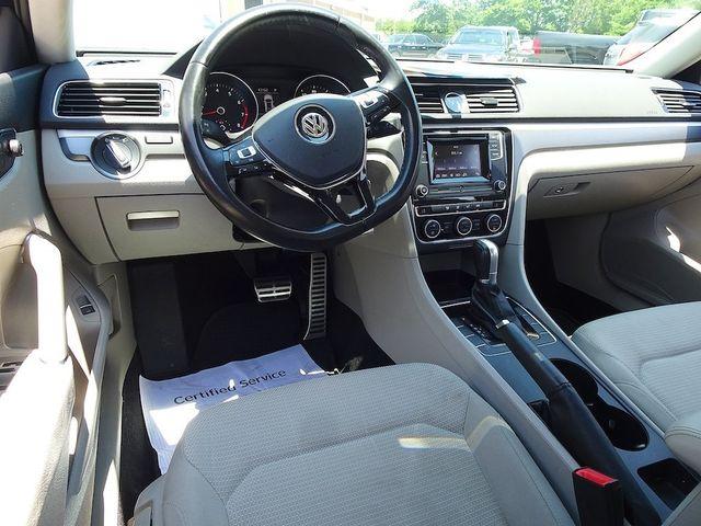 2016 Volkswagen Passat 1.8T R-Line Madison, NC 34