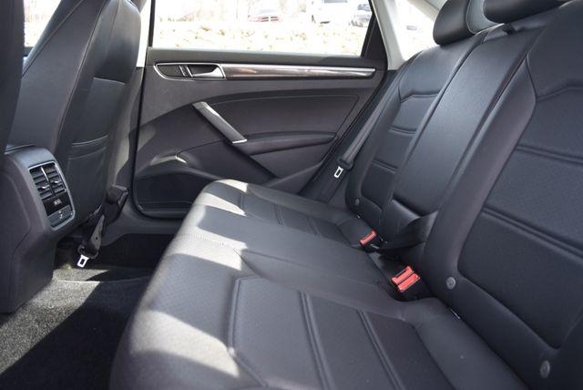 2016 Volkswagen Passat 1.8T SE Naugatuck, Connecticut 15