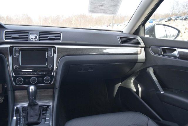 2016 Volkswagen Passat 1.8T SE Naugatuck, Connecticut 18