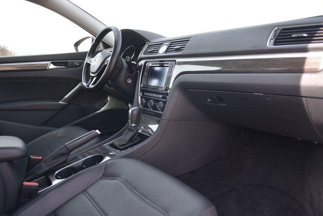 2016 Volkswagen Passat 1.8T SE Naugatuck, Connecticut 9