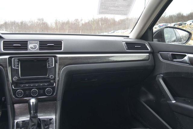 2016 Volkswagen Passat 1.8T SE Naugatuck, Connecticut 12