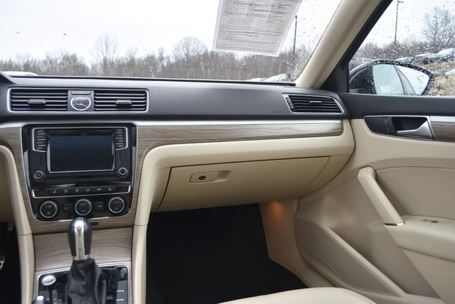 2016 Volkswagen Passat 3.6L V6 SEL Premium Naugatuck, Connecticut 17