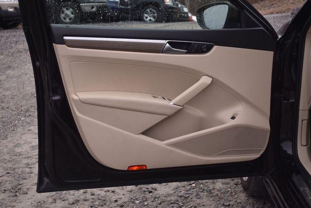 2016 Volkswagen Passat 3.6L V6 SEL Premium Naugatuck, Connecticut 19