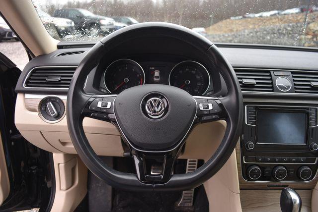2016 Volkswagen Passat 3.6L V6 SEL Premium Naugatuck, Connecticut 21
