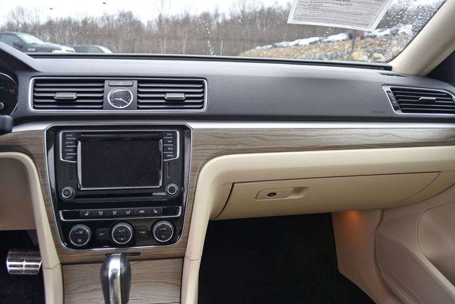 2016 Volkswagen Passat 3.6L V6 SEL Premium Naugatuck, Connecticut 22