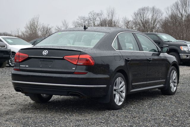 2016 Volkswagen Passat 3.6L V6 SEL Premium Naugatuck, Connecticut 4