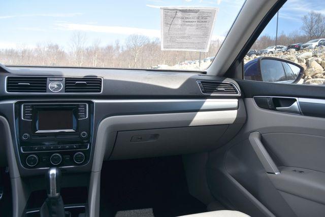 2016 Volkswagen Passat 1.8T R-Line Naugatuck, Connecticut 10