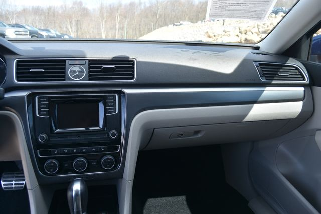 2016 Volkswagen Passat 1.8T R-Line Naugatuck, Connecticut 14