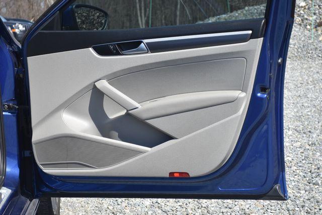 2016 Volkswagen Passat 1.8T R-Line Naugatuck, Connecticut 3
