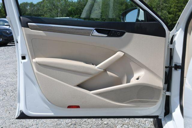 2016 Volkswagen Passat 1.8T SE Naugatuck, Connecticut 17