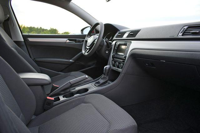 2016 Volkswagen Passat 1.8T S Naugatuck, Connecticut 8