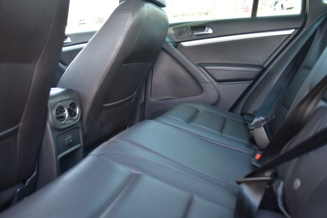 2016 Volkswagen Tiguan R-Line Naugatuck, Connecticut 17