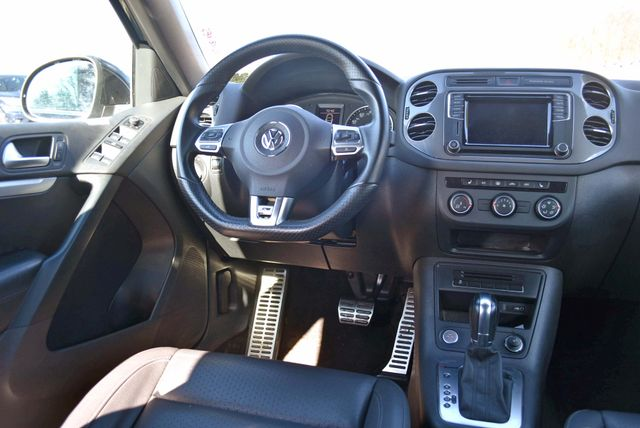 2016 Volkswagen Tiguan R-Line Naugatuck, Connecticut 19