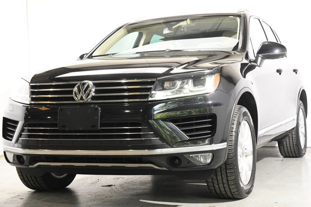 2016 Volkswagen Touareg Sport w/Technology