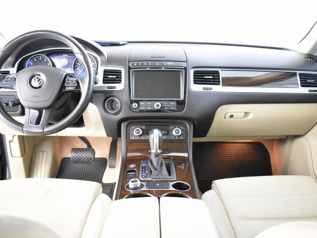 2016 Volkswagen Touareg VR6 FSI in McKinney, Texas 75070