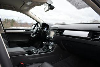 2016 Volkswagen Touareg Sport AWD Naugatuck, Connecticut 10