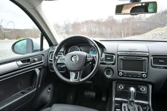 2016 Volkswagen Touareg Sport AWD Naugatuck, Connecticut 17